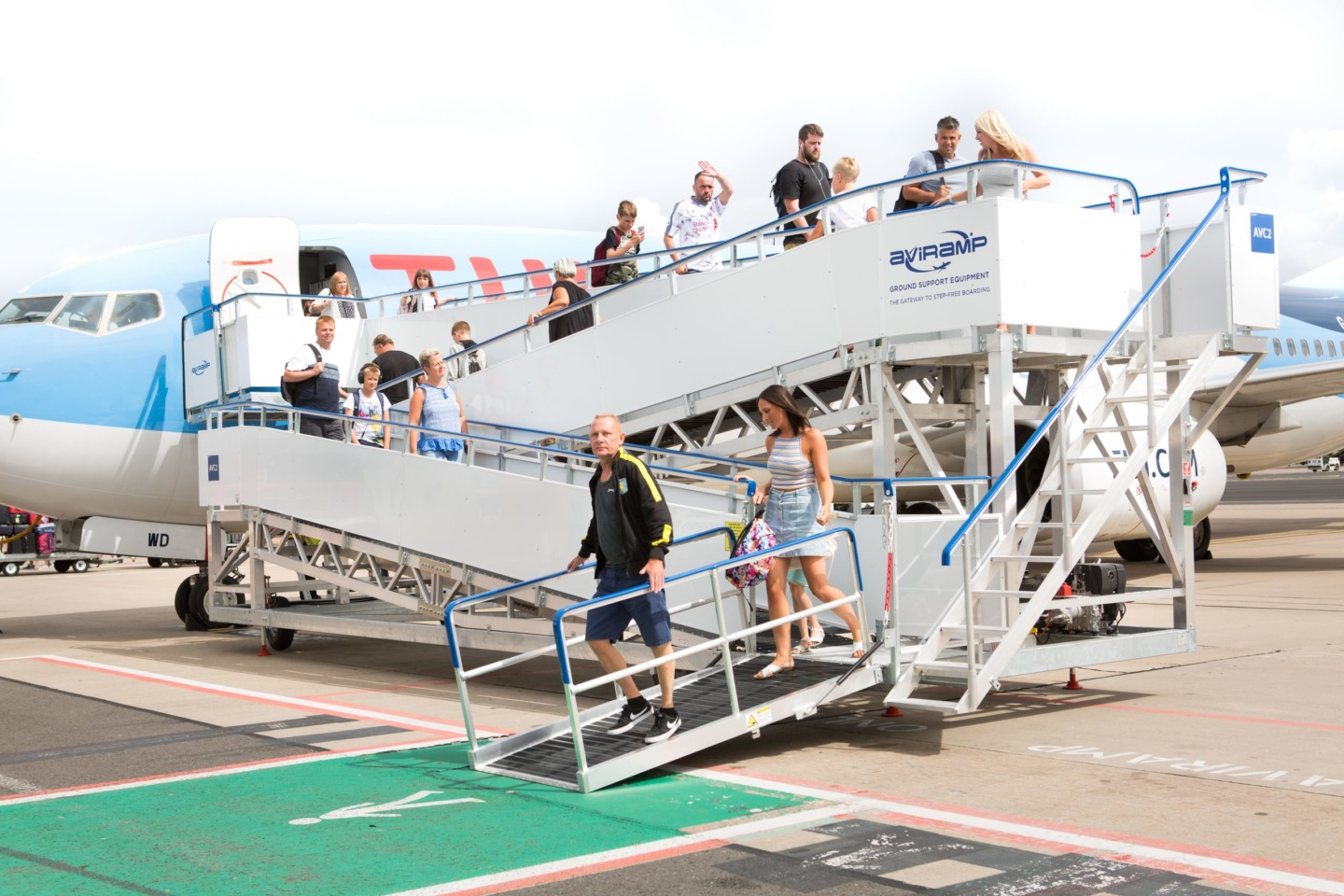 Mobile Boarding Bridge